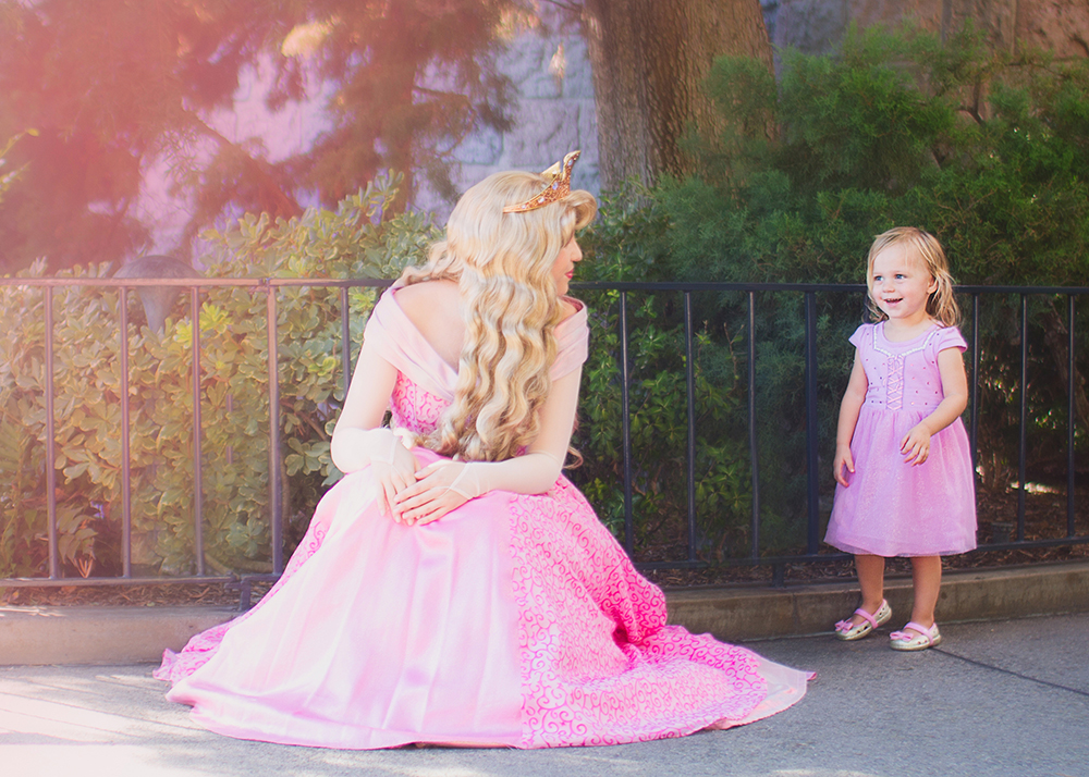 disneyland-princess-aurora-sleeping-beauty